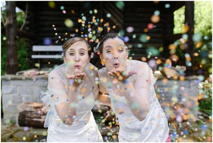 photo mariage fun confetti happy